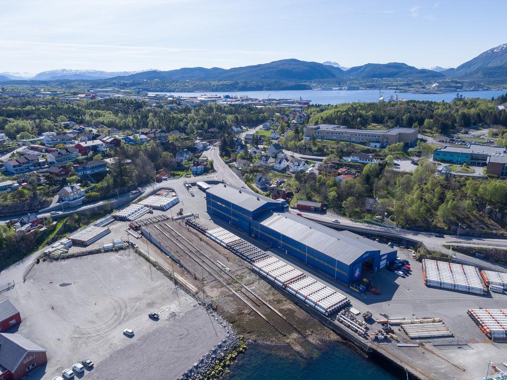 Oss-nor Subsea Workshop  Kjetil Haga  Department manager  Tel: (+47) 71 58 88 00 E-mail:  Kjetil.haga@ossnor.no   Address: Dalegata 71, 6516 Kristiansund, Norway