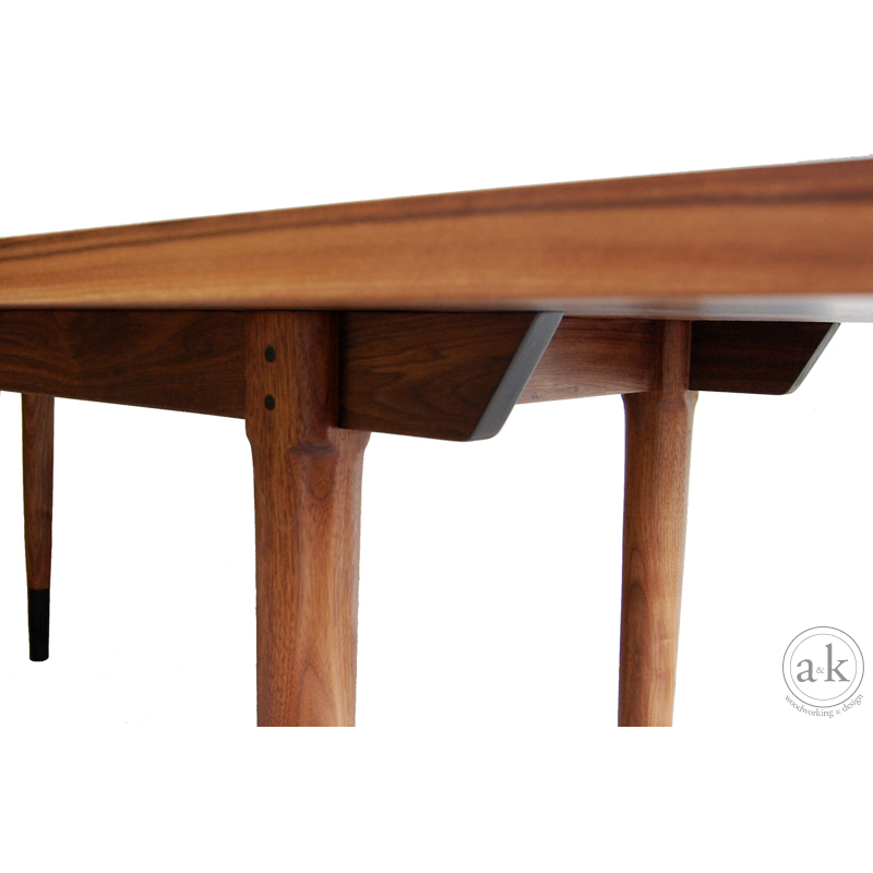 c_yane_dining_table2.jpg