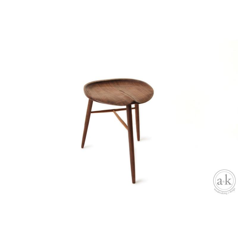 san_stool2.jpg