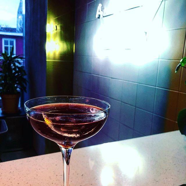 Smoked Cherry Manhattan —— Smoked Cherry infused Bulleit Bourbon Dolin Sweet Vermouth Angostura Orange zest —— #artsoncocktailbar #nostrarestaurant #truespirit #ttcocktails #makeitworldclass #justcocktails #LTDcocktails #cocktailsforyou #worldsbestbars #reykjavik #iceland #cocktail #cocktails #bartender #bartending #bar #drinks #mixology #mixologist #vodka #gin #rum #whiskey #tequila #wine #beer #drinkstagram