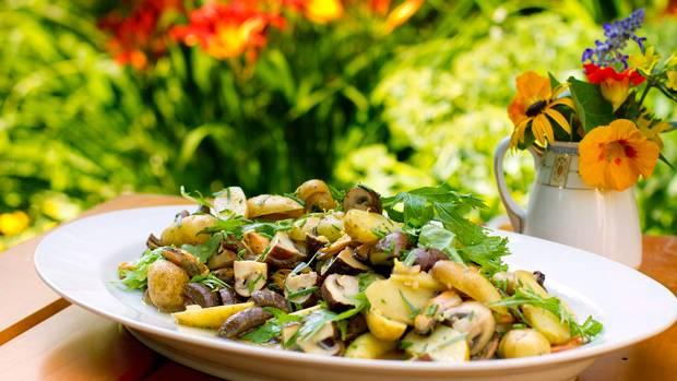 Potato, mushroom and mussel salad .jpg