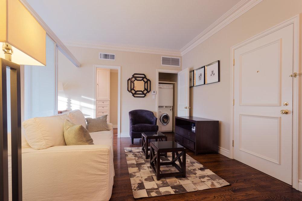 171208_Living_Room_03.jpg