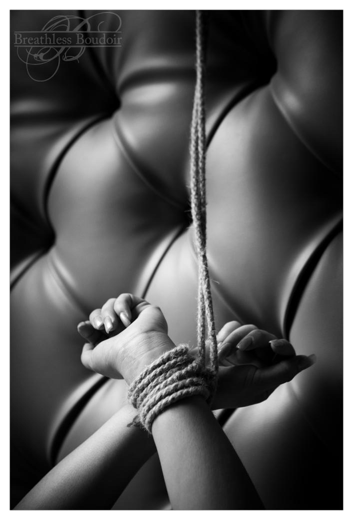 Meggan_0552_BW Breathless boudoir