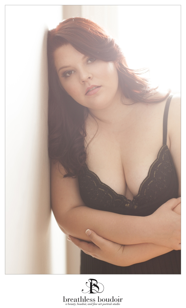 curvy boudoir session