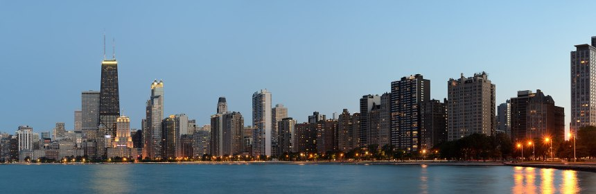 2680px-chicago_from_north_avenue_beach_june_2015_panorama_2.jpg