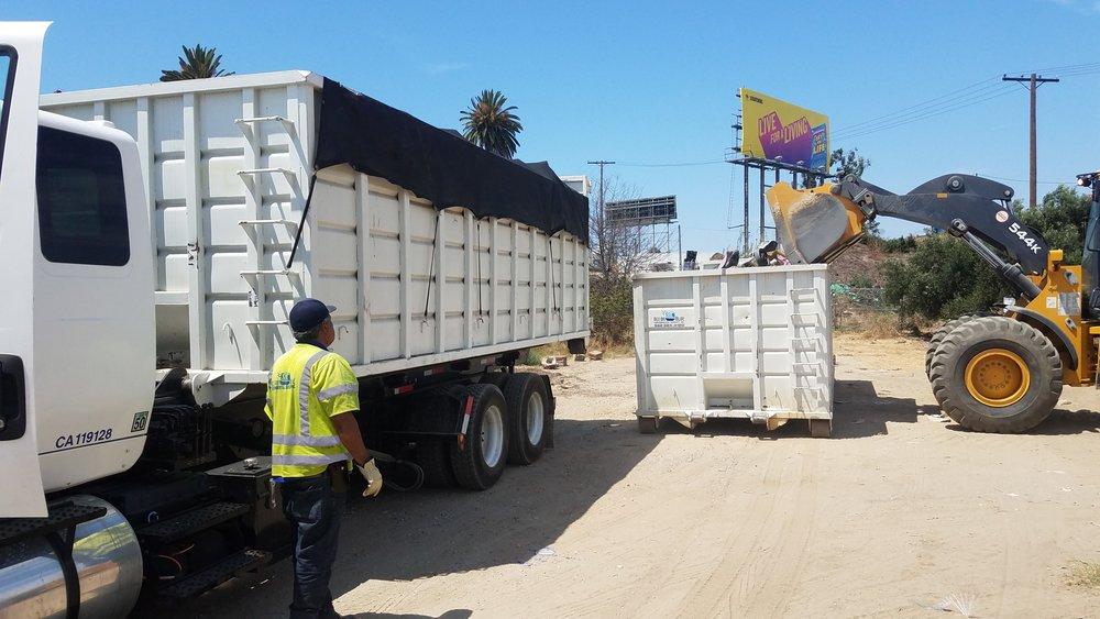 Pic - Trucks - Roll Off.jpg