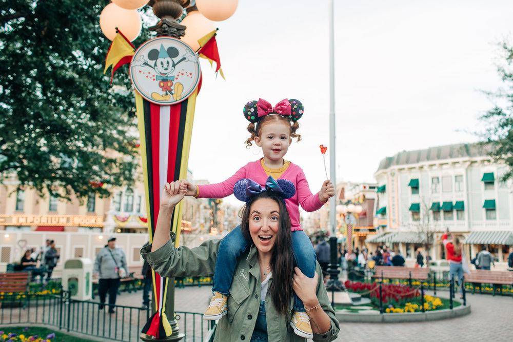 Baby_Boy_Bakery_Disneyland_LilyRoPhotography-7446.jpg