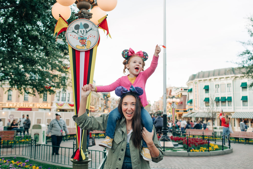 Baby_Boy_Bakery_Disneyland_LilyRoPhotography-7449.jpg