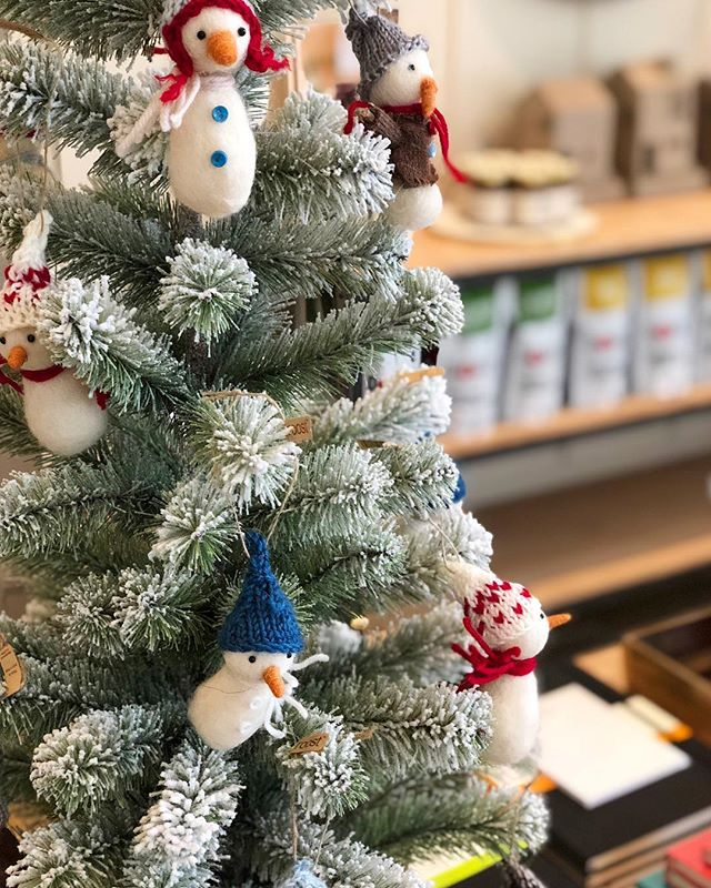 On the first day of Christmas my true love gave to me, a Snowman in a Christmas Tree ⛄️ #12daysofchristmas #twelvedaysofchristmas #holidaygifts #holidaygiftguide #holidaydecor #holidayornaments #giving #shoplocal #shopsmall #lifestylestore #designmatters #leolacroffshop #leolaandcroff
