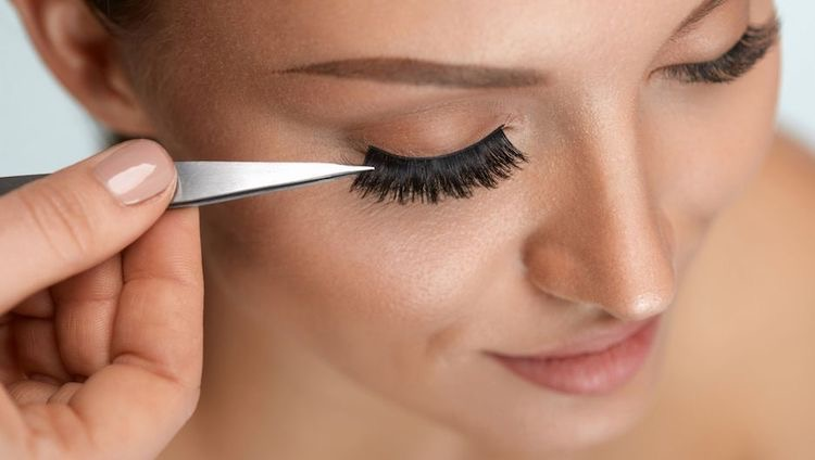- Not all false eyelashes fit straight from the package, some might be too long or have excess band, so you will need to measure them and cut it to size.Measure the lashes by placing them on your lash line. Make a mental note of where the false lash stops at the edge of your lash line, then cut the excess. When trimming your lashes you always want to trim from the outer edge not the inner corner.      Many lashes will have excess band on both sides. You will need to make sure to Trim that off.