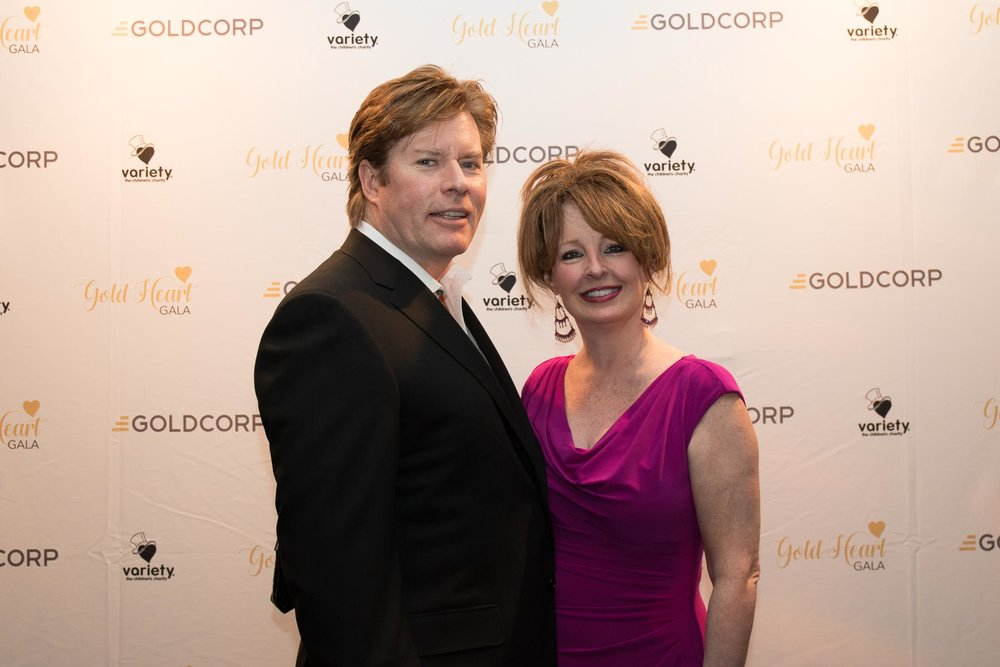 013_goldheartgala2017_37379722736_o.jpg