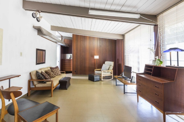 The Grant House by A. Quincy Jones, FAIA is on the market for the first time. One of the finest examples of Southern California mid-century design by one of its master architects.   Crestwood Hills / Brentwood $2,450,000 | 3 Beds | 2 Baths | Garage | 1,951 Sqft