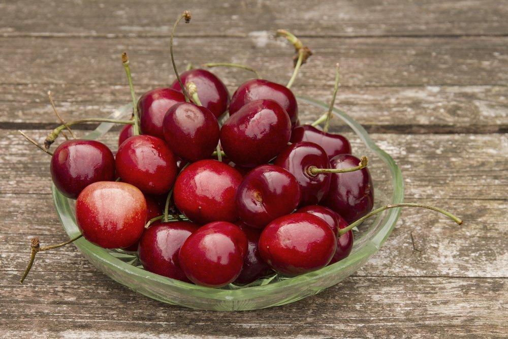 cherry-2369058_1920.jpg