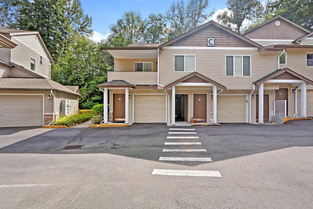 Kirkland Condo - Sold $380,000