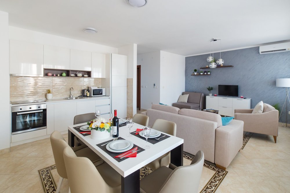 PACKAGE 1 - ONE BEDROOM APARTMENTS  Features: Sea View, Air Conditioning, Modern Suite, Full Size Bed