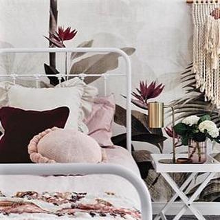 F E E L G O O D ⠀⠀⠀⠀⠀⠀⠀⠀⠀ F R I D A Y ⠀⠀⠀⠀⠀⠀⠀⠀⠀ How sweet does this room look with all these pink tones?⠀⠀⠀⠀⠀⠀⠀⠀⠀ frenchie knows best.⠀⠀⠀⠀⠀⠀⠀⠀⠀ image via @originalwallpapers⠀⠀⠀⠀⠀⠀⠀⠀⠀ .⠀⠀⠀⠀⠀⠀⠀⠀⠀ .⠀⠀⠀⠀⠀⠀⠀⠀⠀ .⠀⠀⠀⠀⠀⠀⠀⠀⠀ #frenchieknowsbestinspo #luxuryinteriors #agameoftones  #frenchieloves #birdofparadise #50shadesofpink #pinktones #girly #livecolourfully #interiorslove #homestyler #homestyleinspo