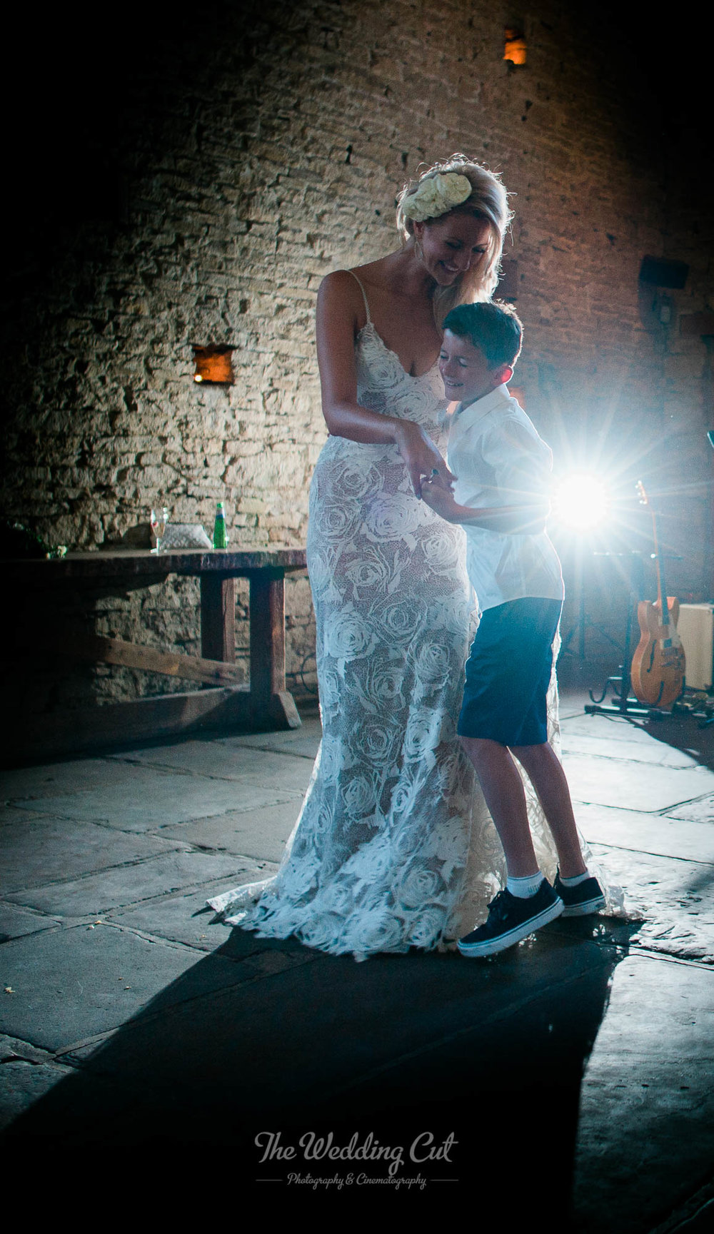 Cripps Barn Wedding-20.jpg