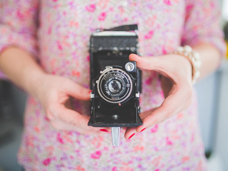 Copy of woman-with-camera.jpg