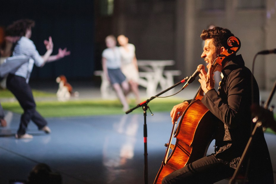 Ian Cooke performing with Wonderbound during the Hare Ball at Junction Box. Photo by  Amanda Tipton, 2014