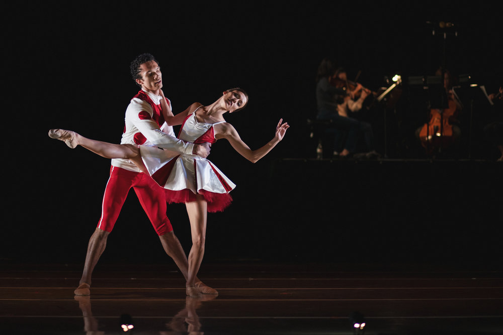 Wonderbound-dancers-in-Cupid_s-Playground-with-the-Colorado-Symphony_photo-by-Amanda-Tipton_201913.jpg
