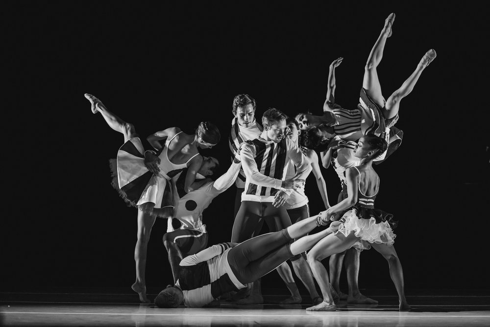 Wonderbound-dancers-in-Cupid_s-Playground-with-the-Colorado-Symphony_photo-by-Amanda-Tipton_201910.jpg