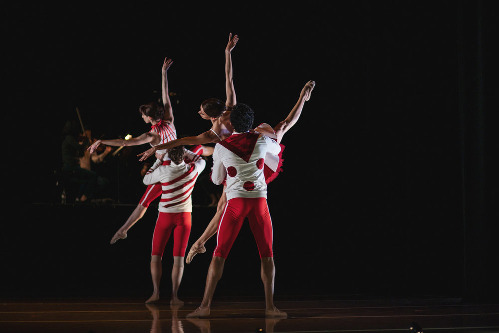 Wonderbound-dancers-in-Cupid_s-Playground-with-the-Colorado-Symphony_photo-by-Amanda-Tipton_201915.jpg