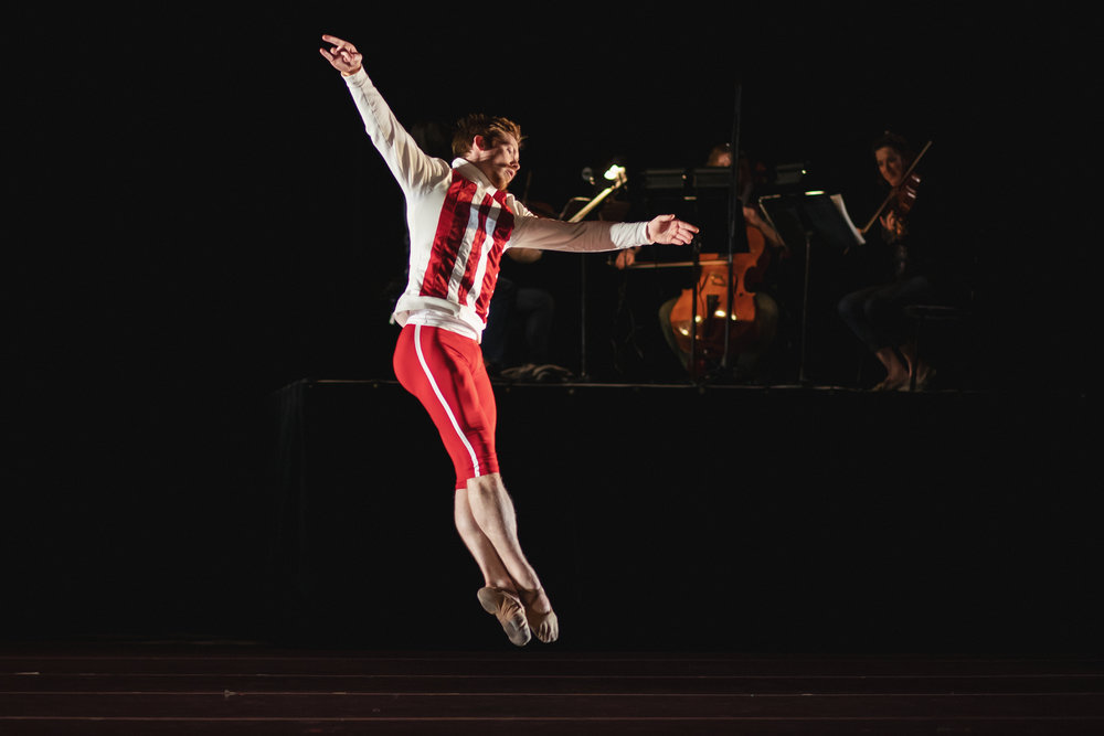 Wonderbound-dancers-in-Company-Artist-Sarah-Tallman_s_Read-The-Signs_in_Cupid_s-Playground-with-the-Colorado-Symphony_photo-by-Amanda-Tipton_201934.jpg