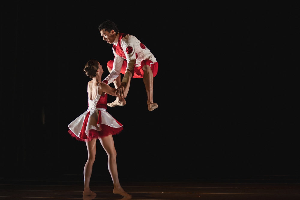 Wonderbound-dancers-in-Company-Artist-Sarah-Tallman_s_Read-The-Signs_in_Cupid_s-Playground-with-the-Colorado-Symphony_photo-by-Amanda-Tipton_201944.jpg