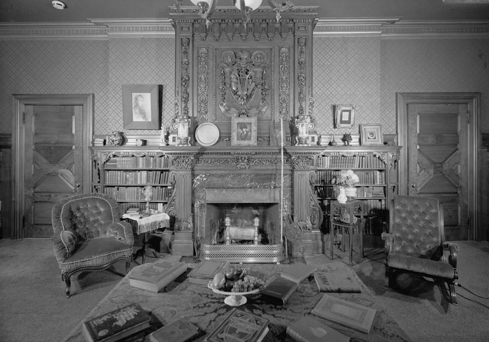 twain_house_first_floor_library_habs_conn2-harf16-63-1.jpg