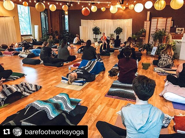 Had such a lovely evening attending the Sound Healing workshop @barefootworksyoga . Barefoot Works has been an integral part of my self-care practice in the past, and I'm grateful to have peaceful moments such as these to pick it up again. I always leave the treehouse feeling a little bit more balanced, a little lighter, a little more gracious to myself. Grateful to have this space ✨🧘🏻‍♀️💛 . . .#barefootworks #soundhealing #selfcare