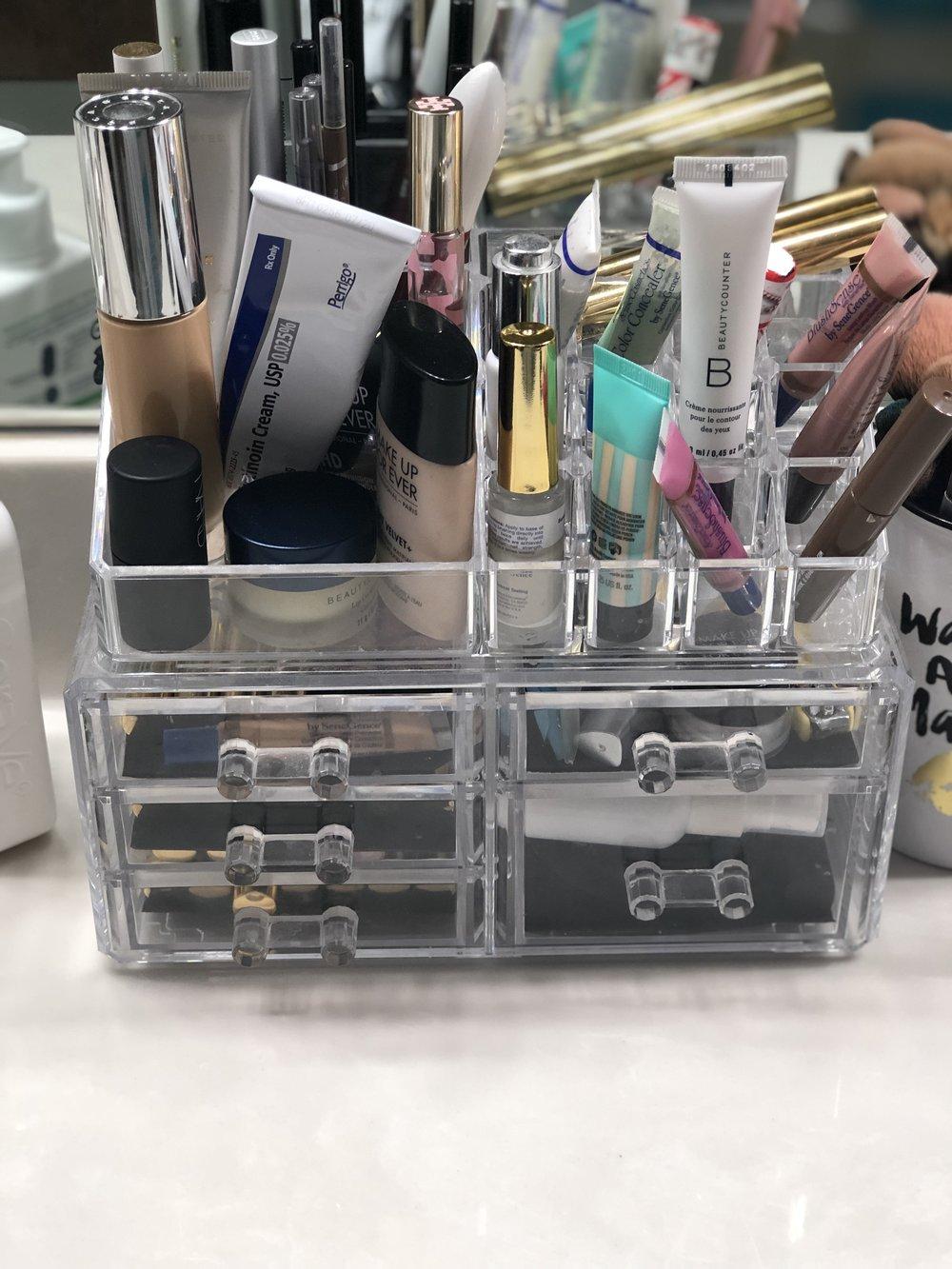makeuporganizer.jpeg