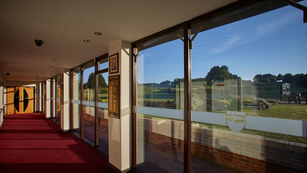 Barrett Suite - Our upstairs lounge, accommodates up to 40 people for business meetings, seminars and smaller functions. It also opens out onto the balcony overlooking the first tee area.