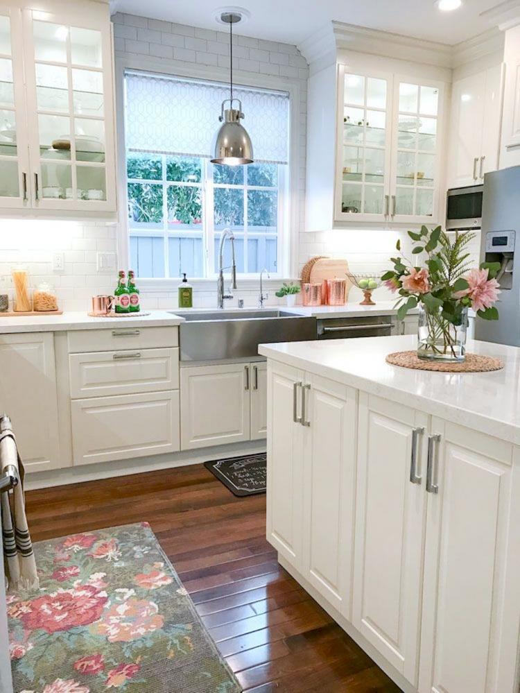 Farmhouse kitchen sink by VIGO Industries