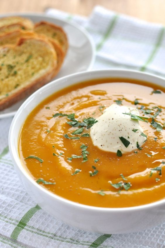 PUMPKIN SOUP - Ingredients2 Garlic cloves, whole1 Onion, yellow brown white1 1/4 kg Pumpkin3 cups Vegetable or chicken broth, low sodiumpinch of salt and pepper1/2 cup Cream or half and half1 cup WaterSee it here!
