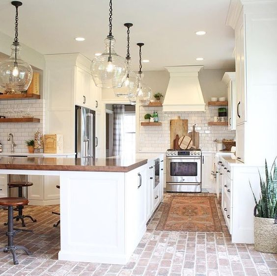 Farmhouse kitchen design VIGO Industries4.jpg