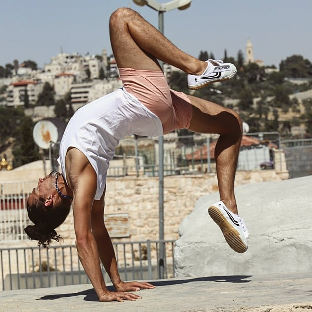 Great weather great practice with great friends Photos by @aviel_shapir . . . . . #capoeira #morrisreyes #successful #winnerscircle#worldwide #MotivationMonday #capoeiralife #capoeiraforever #capoeiraeverywhere #MartialArts #flexibility #bodyweighttraining #skills #effective #youngatheart #stuntman #believeinyourdreams #believeinyourself #dontgiveup#listentoyourinnerchild #yoga #yogavinyasa #yogamalmö #vinyasalife #breathe #prana#healthyliving #malmö #sweden