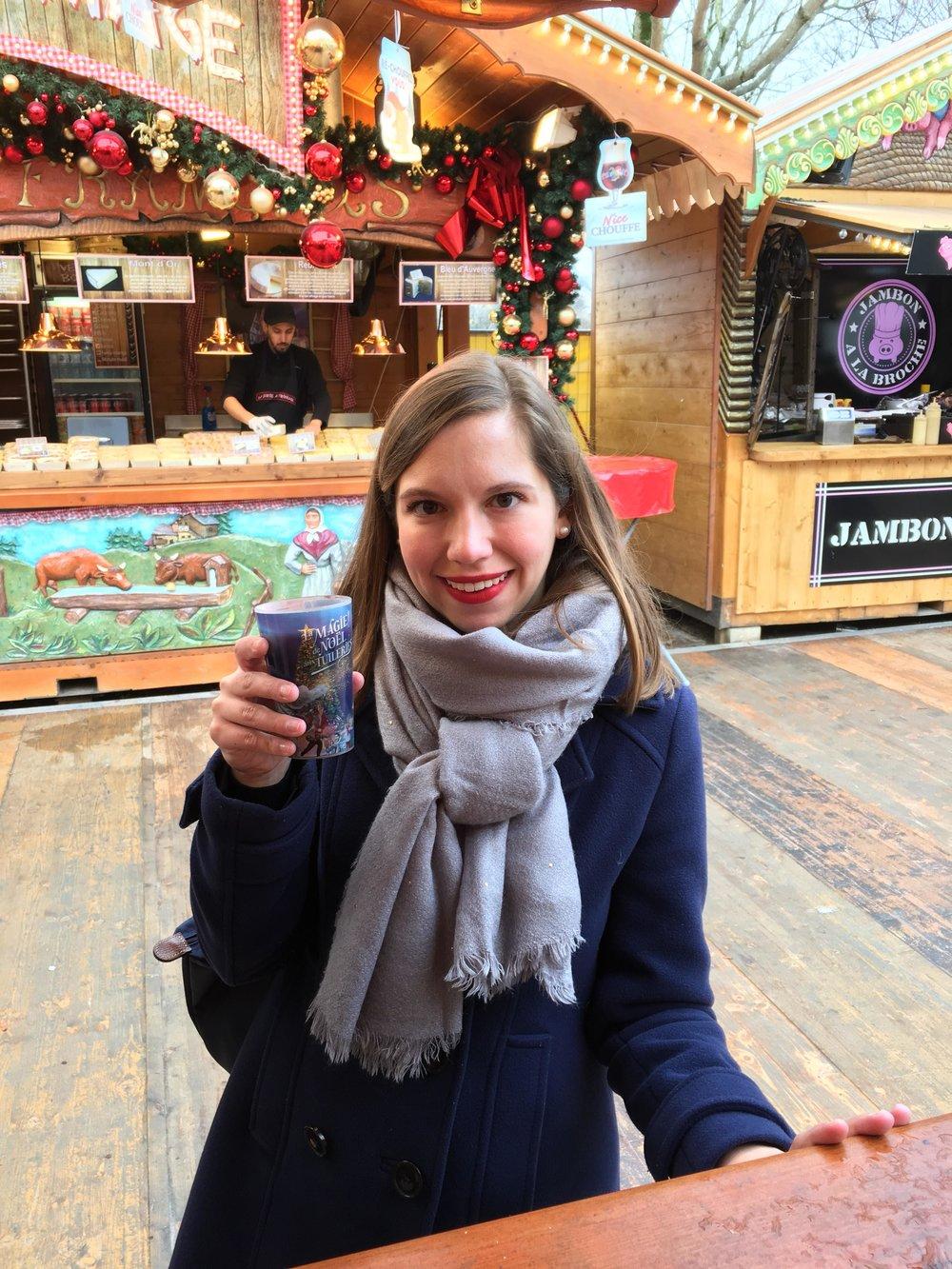 Vin chaud  at the  Marché de Noël  in Paris