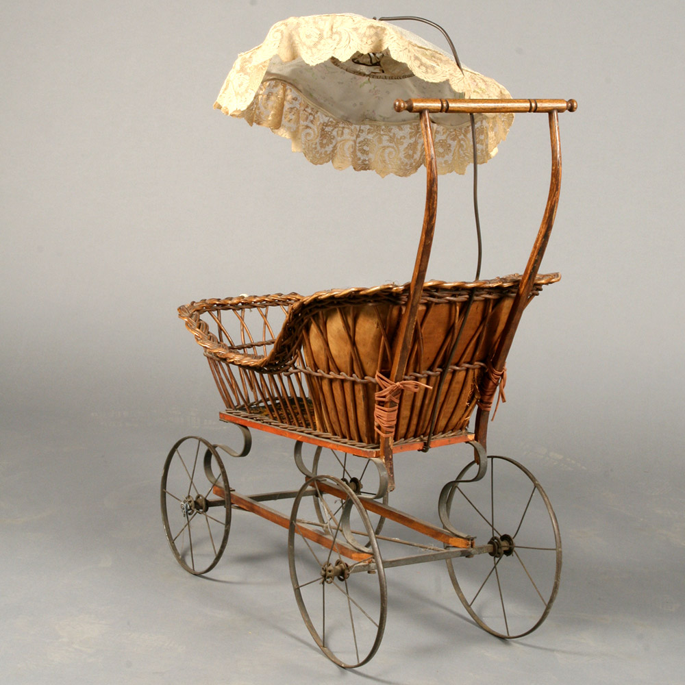 historic-doll-carriage.jpg