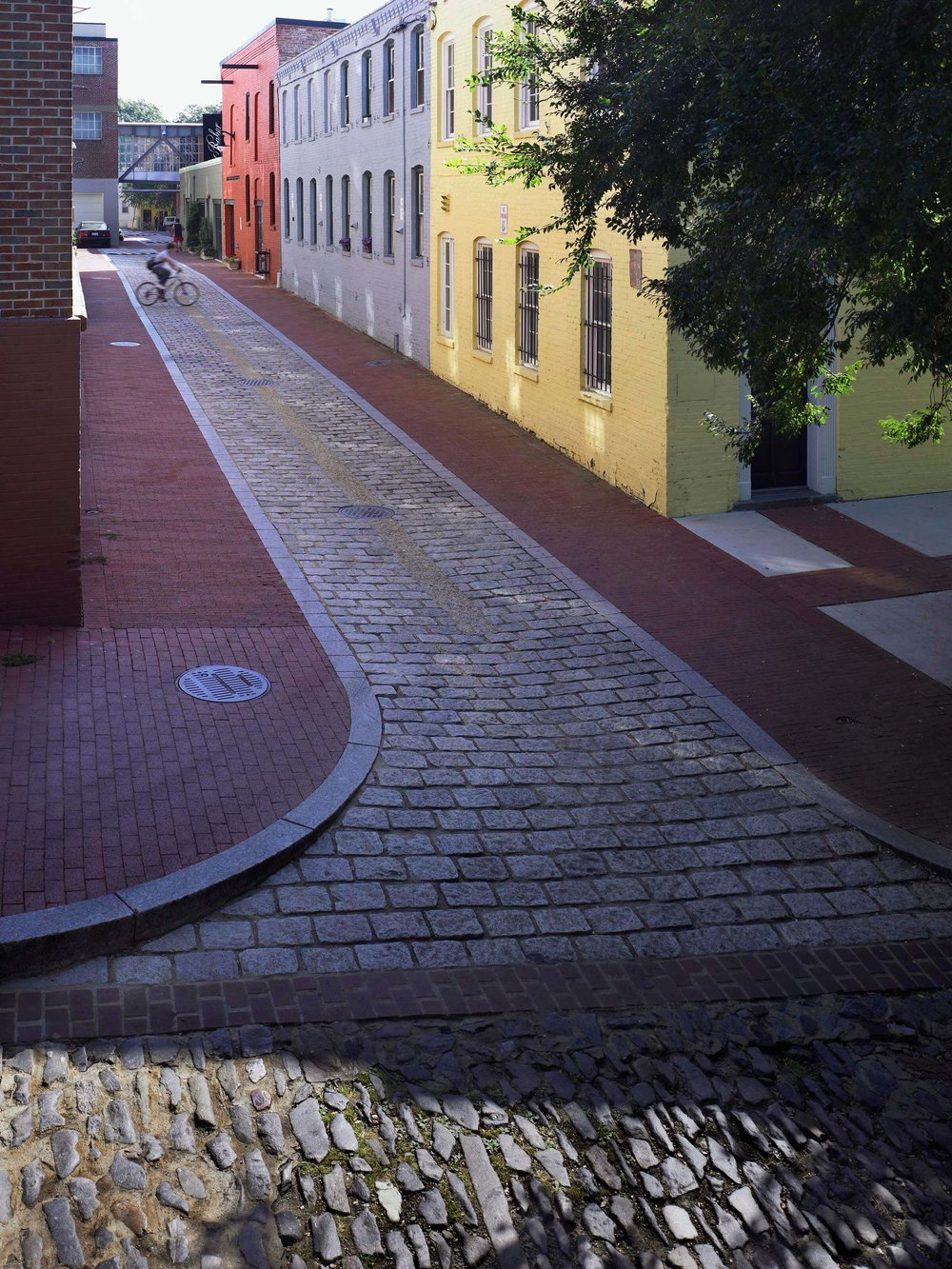 02B - Cady's Alley - Cady's_prakash051002_03.jpg