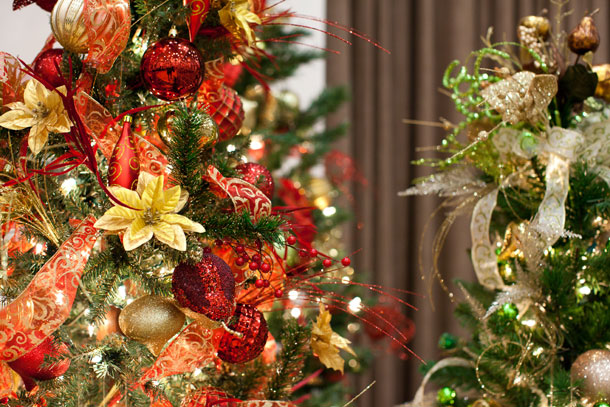 impressive-christmas-tree-ideas-red-and-gold-on-decor-with-red-and-gold-christmas-party-decorations-i-absolutely-love-decorating-plans