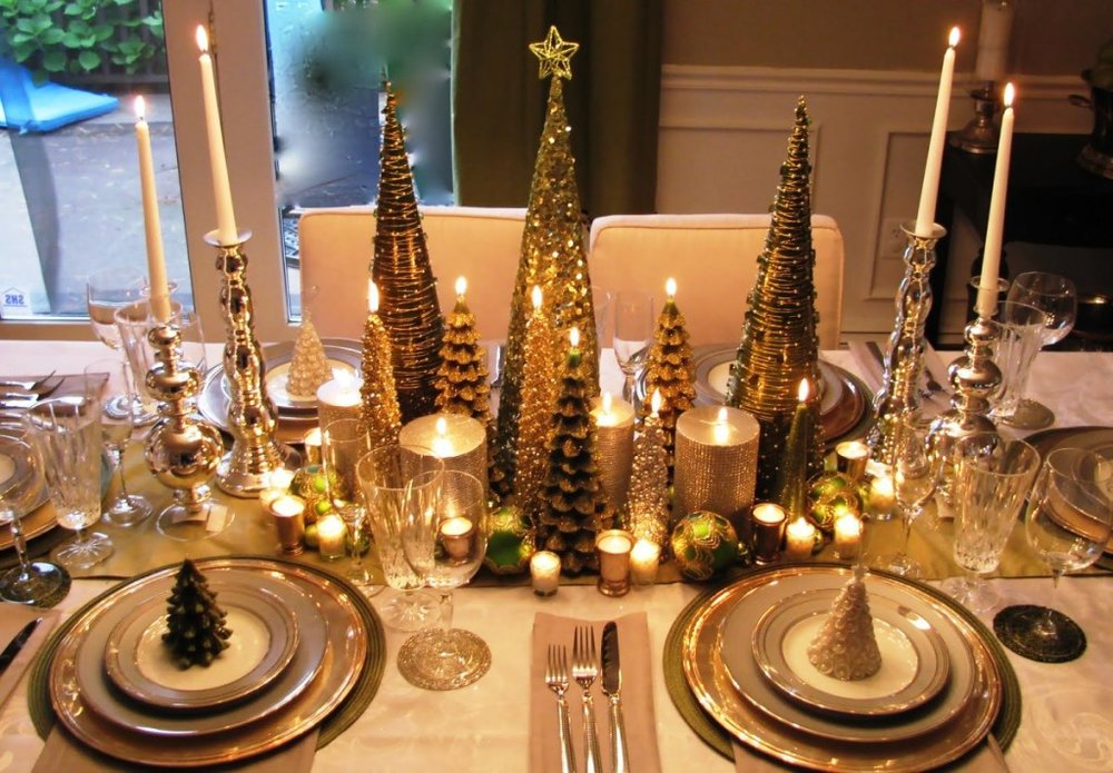 minimalist-christmas-centerpiece-decorations-idea-green-miniature-christmas-tree-polished-chrome-stick-candle-holder-christmas-table-center-piece-decorating-the-ideal-choice-for-a-table-centerpiece-d