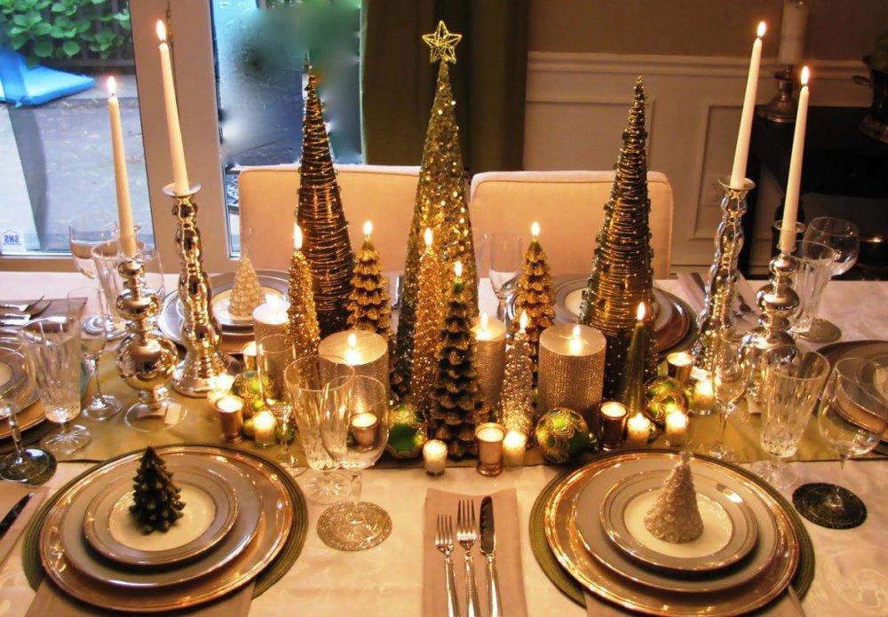minimalist-christmas-centerpiece-decorations-idea-green-miniature-christmas-tree-polished-chrome-stick-candle-holder-christmas-table-center-piece-decorating-the-ideal-choice-for-a-table-centerpiece-d
