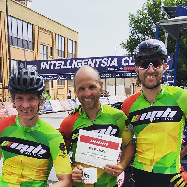 Our boy Nick took home 2nd place in the omnium and scored a new @sramroad cockpit in the @intelligentsiacup 35+ 3/4 Series!
