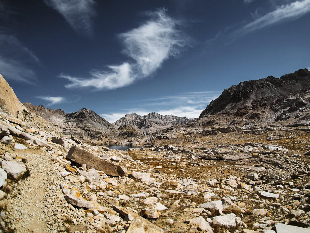 Descending Muir Pass SOBO on a dry year