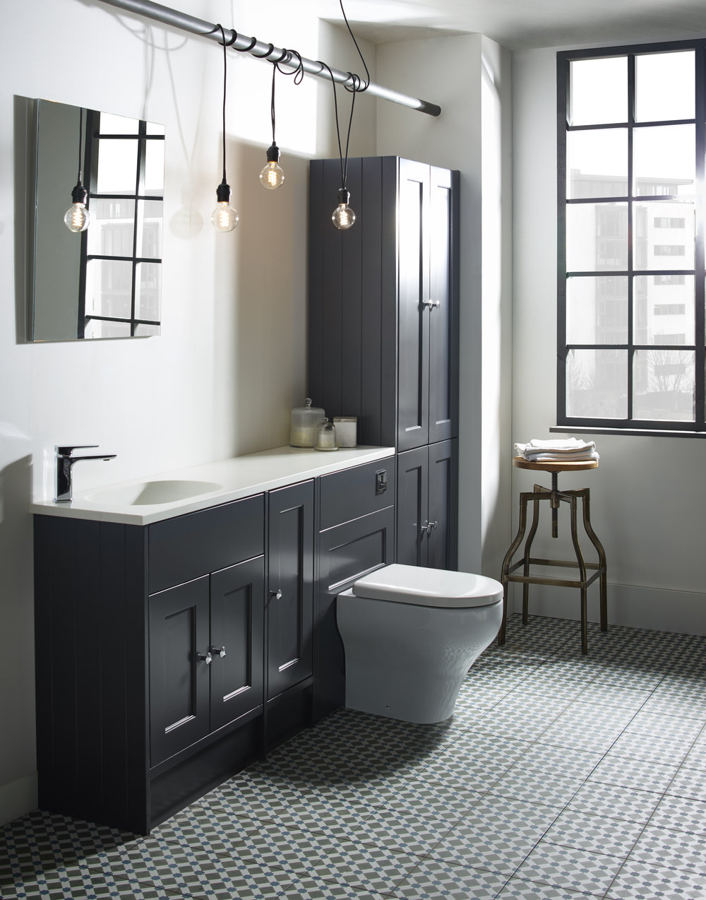 Something old, something new... - Follow our quick guide to introducing 5 traditional features to a modern bathroom and create a fresh, minimal take on a classic theme.