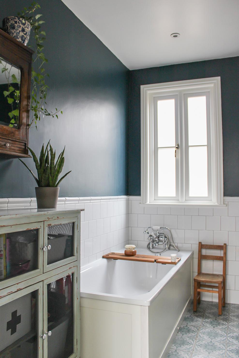 17_Main_bathroom.jpg