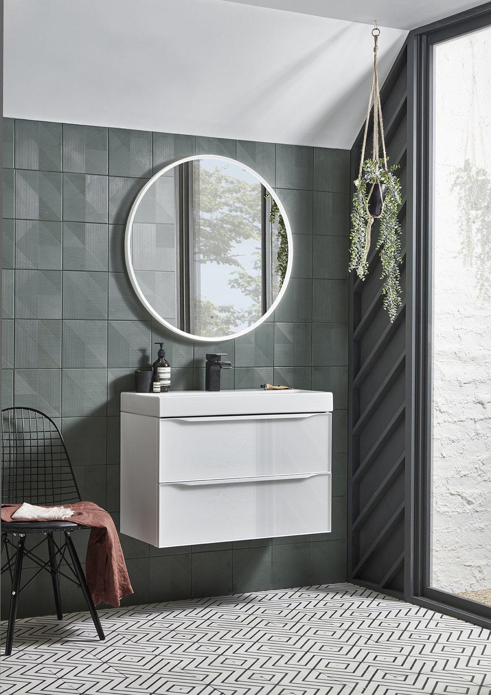 Frame 800mm Gloss White Vanity Unit  with  Frame 800mm Illuminated Mirror.