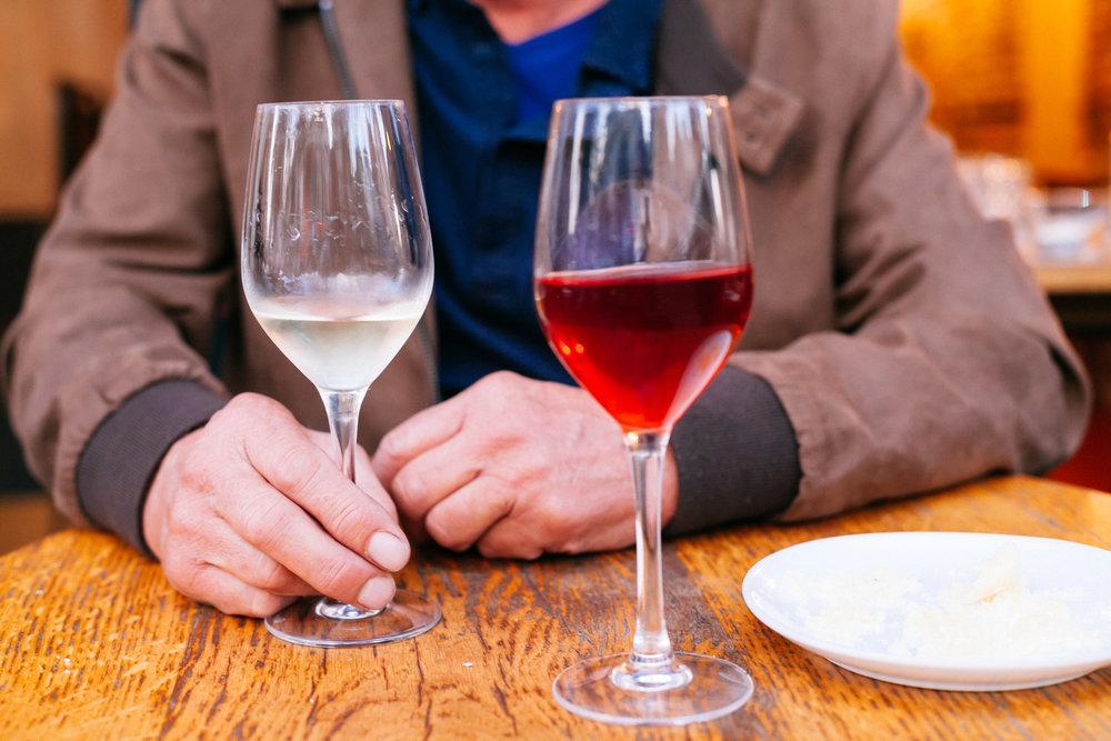 Aimer les vins (avec modération) ET penser aux vignerons.