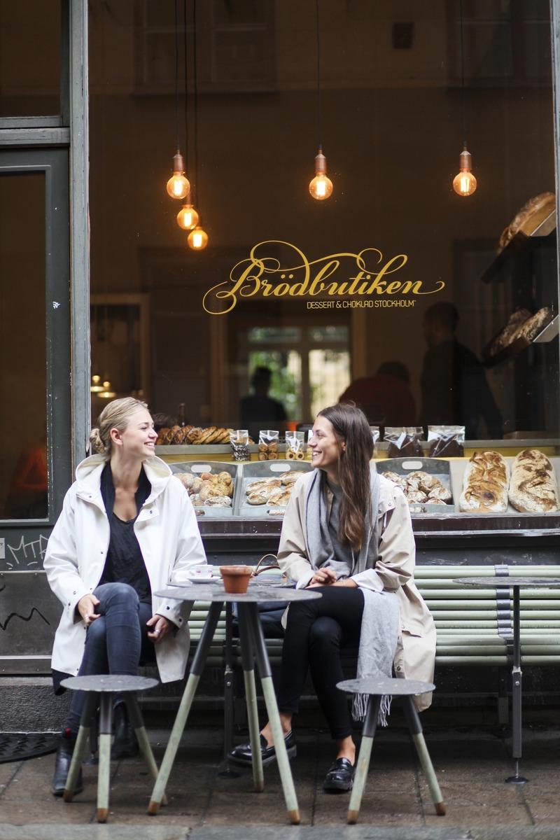 Fika er en viktig del av den svenske kulturen, noe vi lett adopterer på tur!  Foto: Tove Freij/Stockholm Media Bank