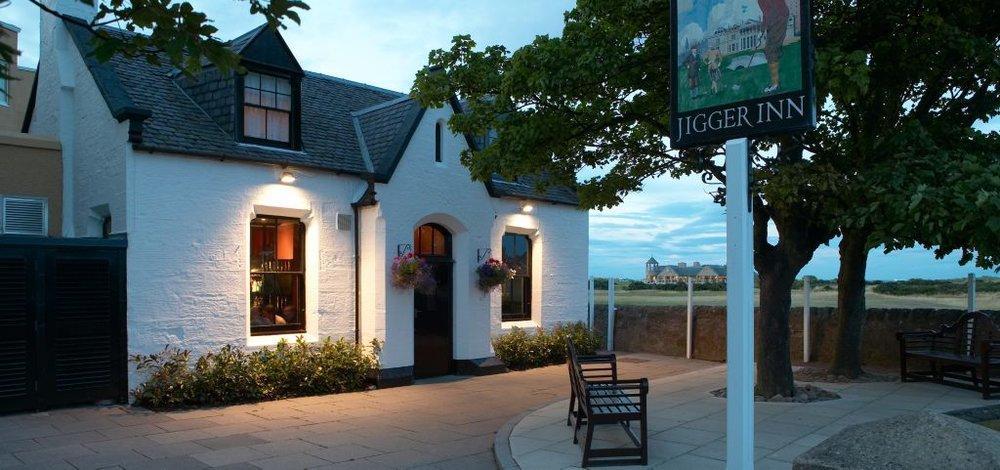 Jigger Inn er den sjarmerende puben tilhørende The Old Course Hotel; også kjent som det 19. hull